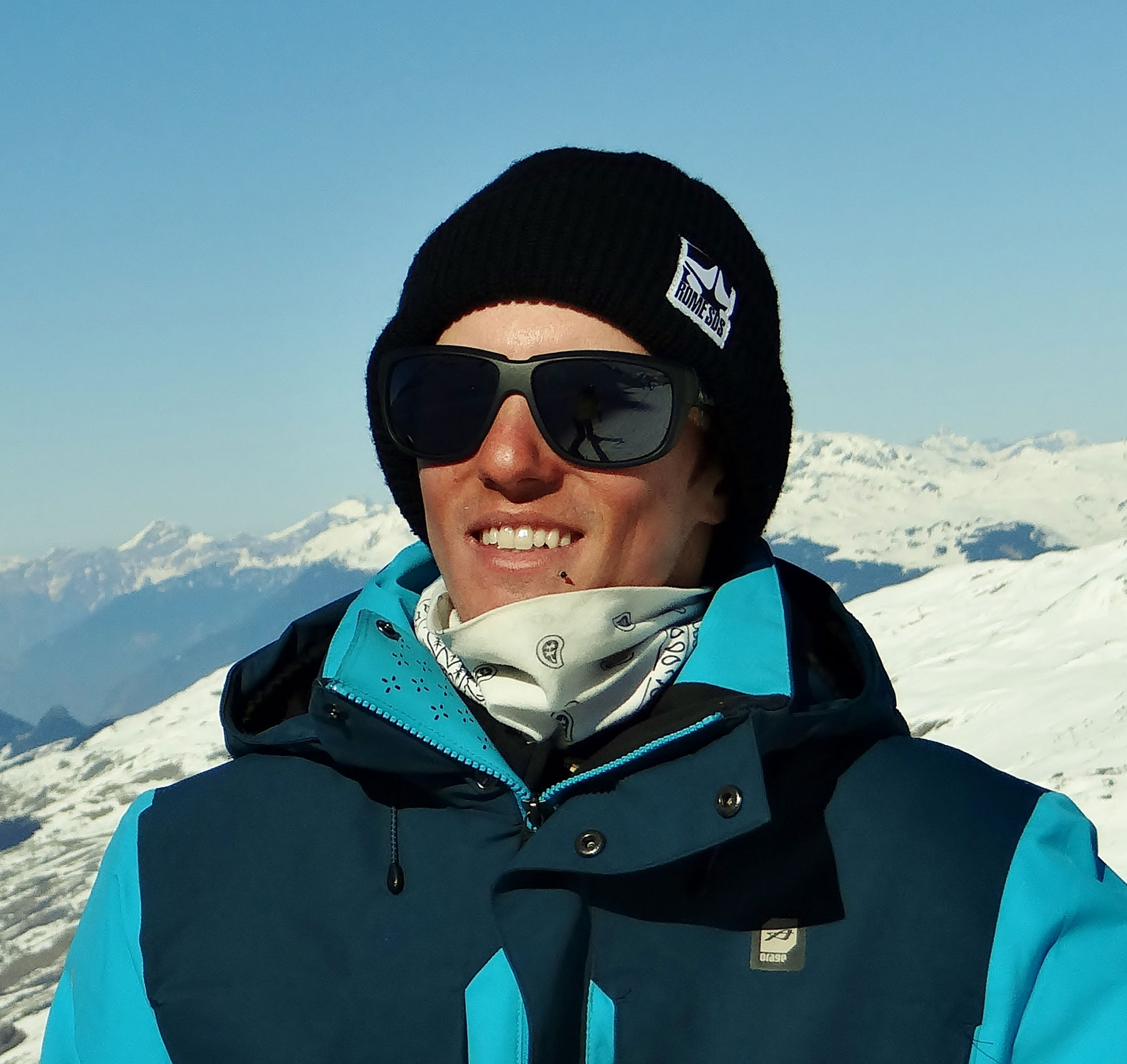 Jeremy-val-thorens-ski-instructor